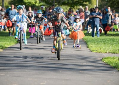 LHT Trail and Treat 2017 - Kids riding bikes